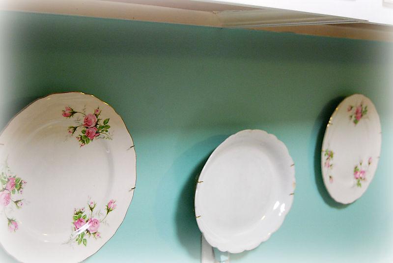 Hanging plates