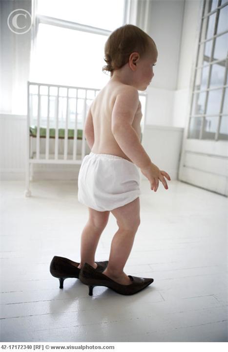 Baby_girl_wearing_high_heels_42-17172340