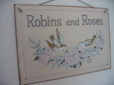 Robins_and_roses