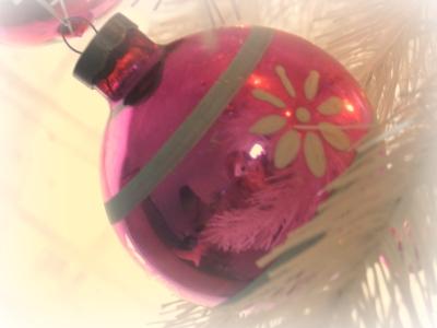 Vintage_pink_ornament
